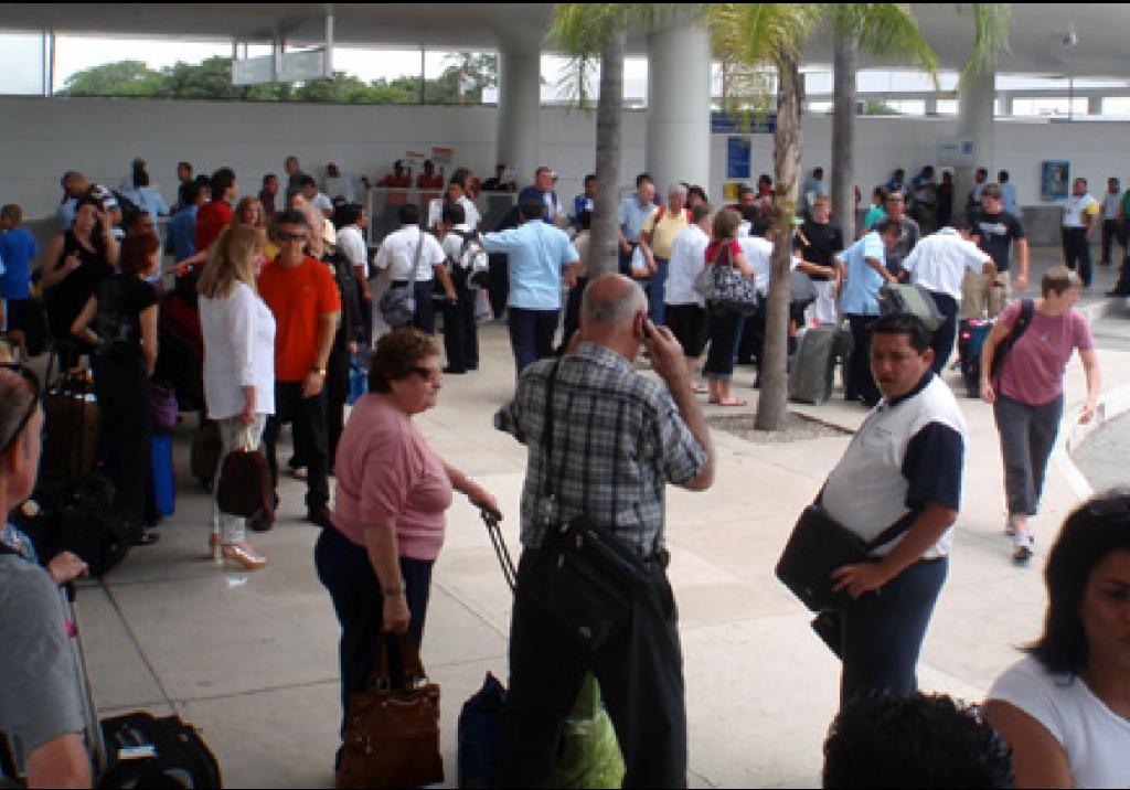 Cancun Airport Terminal 2 Arrivals