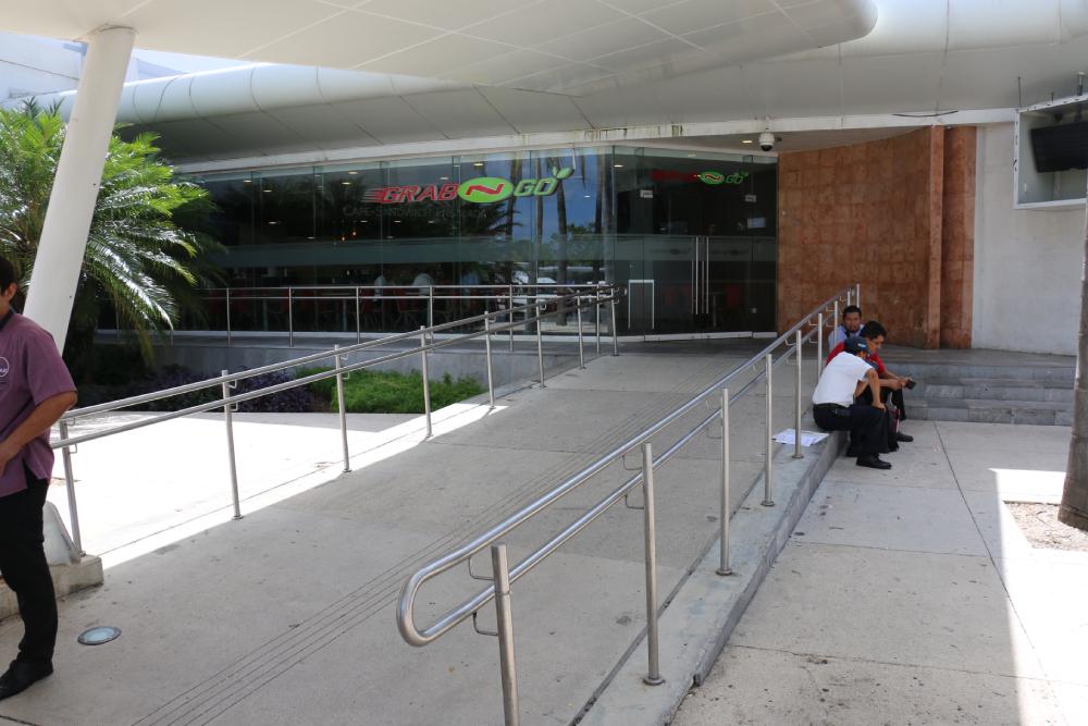 Grab N Go Terminal 2 Cancun Airport
